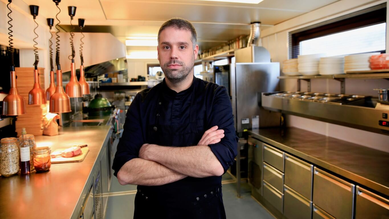 Brochurefotografie voor Horecakeuken Nederland, Jeroen Klepper chefkok bij Hemmingway Beach in Bergen aan Zee